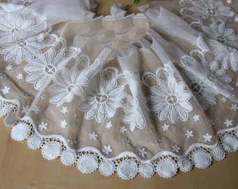 """1 Yard Lace Trim Ivory Tulle Daisy Flower Embroidery Tulle 8.66"""" width"""