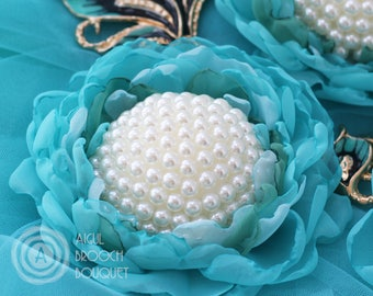 Turquoise Chiffon Fabric Flower Wedding Corsage, White Pearl Bridal Voile Flower Elastic Bracelet, Silk Flower Wrist Corsage Blue and Green