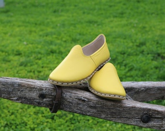 Yellow Handmade Leather Shoes, Yemeni Shoes, Comfortable, Unique, Natural, Handstitched Slip Ons