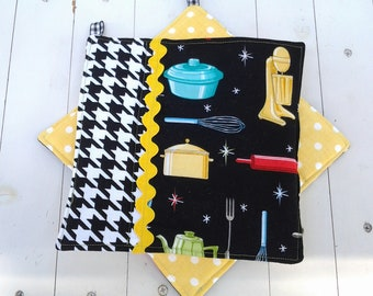 Quilted Potholders in Vintage Kitchen Appliances and Houndstooth in Black and White