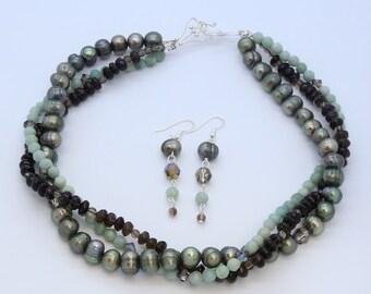 Original-Künstler erstellt 3-Strang Halskette und Ohrringe Set, Edelstein und Perlen