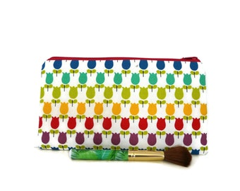 Tulip pencil case, tulip makeup bag, floral pencil case, zippered cosmetic case, pencil pouch, tulip pouch, make up pouch, Kokka fabric