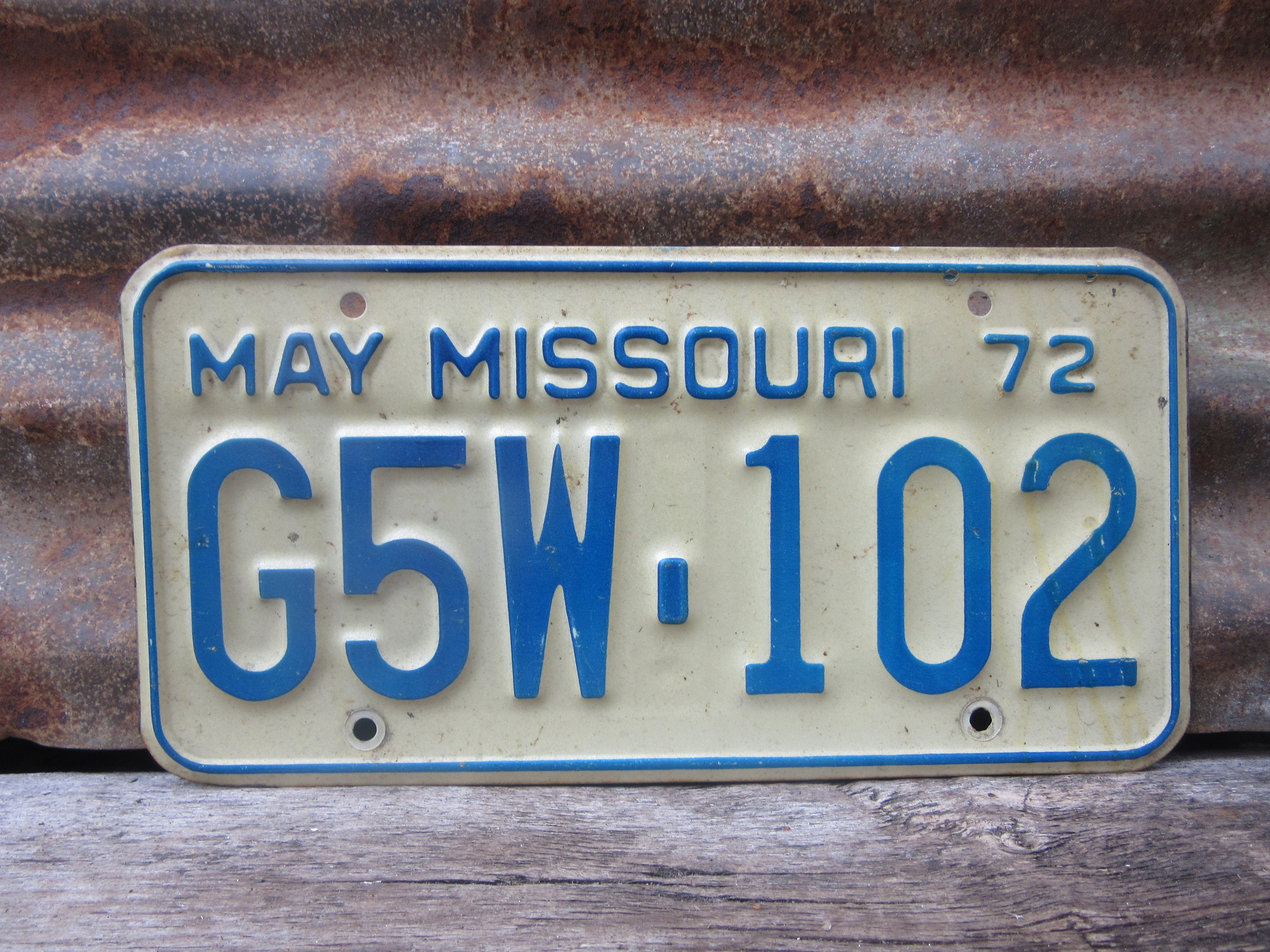 Vintage Original Missouri License Plate 1972 Blue & White MO