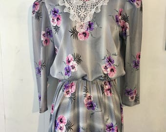 Vintage 80's flower print dress 3/4 length sleeves carriage court
