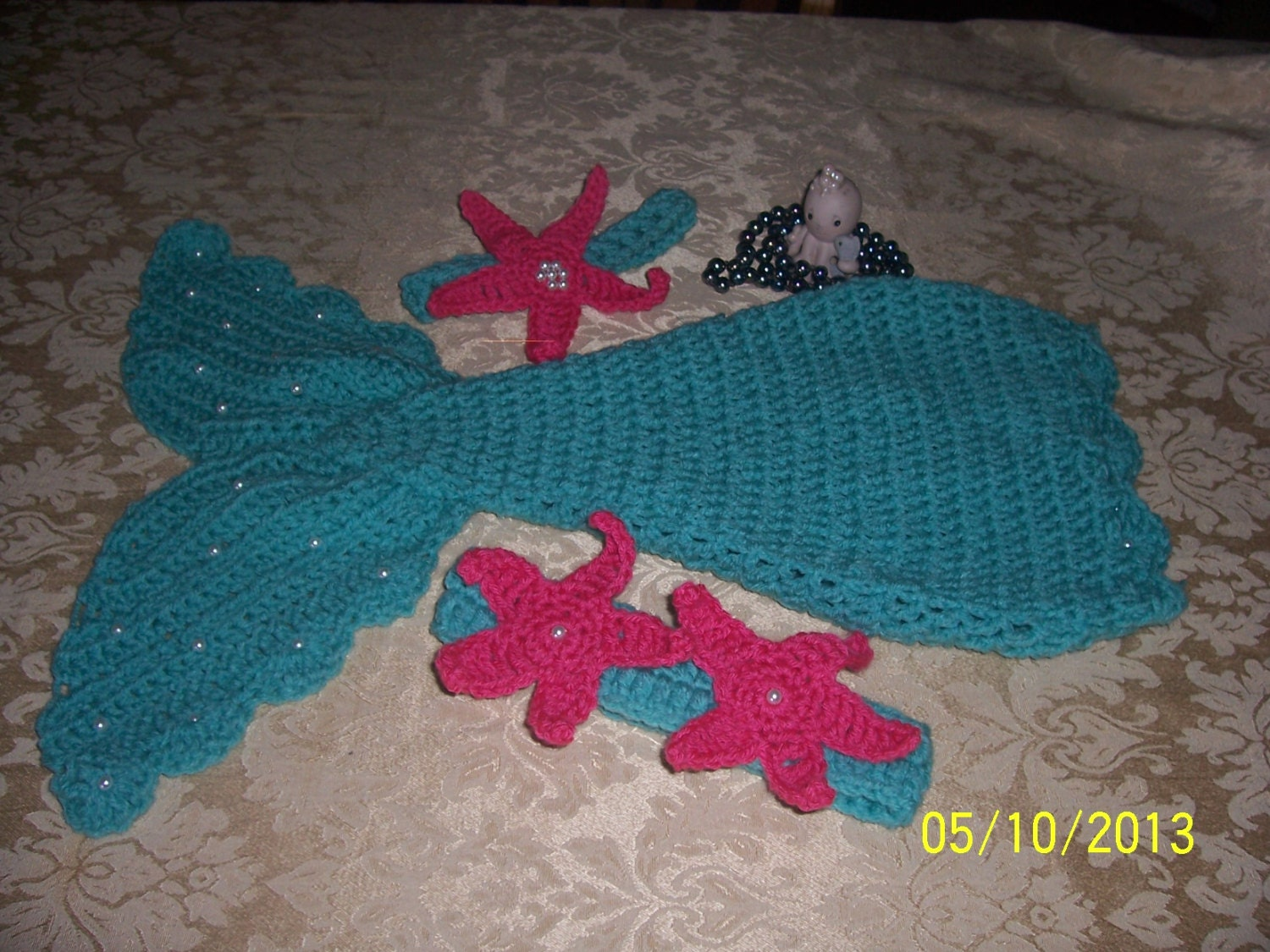 Free Crochet Amigurumi Mermaid Pattern : Crochet baby mermaid pattern includes starfish and shell top and