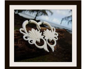 Fake Gauge  earrings,Natural White Bone ,Split Gauge Earrings, lotu Flower, hand craved,naturally,oraganic