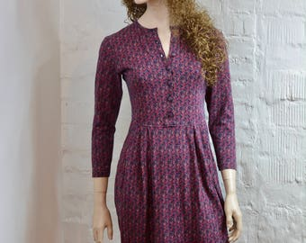 Vintage dress 1980's Laura Ashley cotton purple small floral print long sleeved dress. Masurements below Vtg Laura Ashley dress