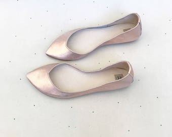Rose Gold Wedding Shoes. Rose Gold Bridal Shoes. Low Heel Shoes. Pointy Ballet Flats. Leather Ballerinas. Flat Shoes Bride. Bridesmaids Gift