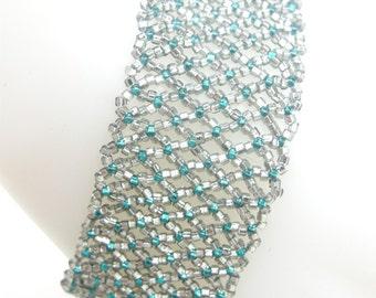 Beaded Bracelet, Beadwoven Bracelet, Gift for Her, Emerald Jewlery, Handmade Jewelry, Delicate Jewelry, Anniversary Gift, Holiday Jewelry