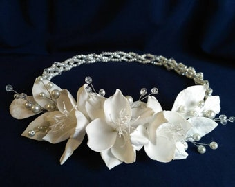 First communion hair accessories Communion headpiece White flower hair wreath Bridal headband pearl headpiece flower headband bridal wreath
