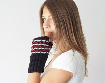 Sales Fingerless gloves white black and red knit wrist warmers texting gloves hand warmers mittens hand knit mitts half gloves