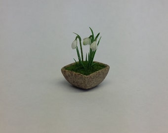 1:12 scale snowdrops (for Dollshouses)