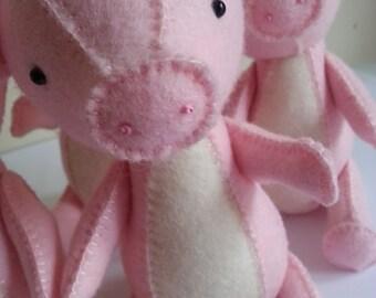 pig sewing pattern, pig pattern, pig PDF pattern, felt pig pattern,plush pdf pattern, pig plush, pig softie,softie pdf pattern, p is for pig