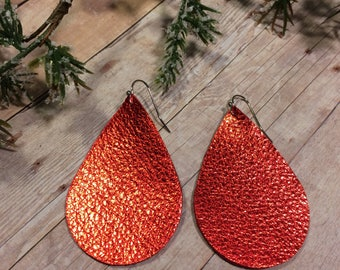 Teardrop leather earrings, Christmas red leather teardrop earrings, red metallic leather earrings