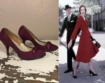 The Double Take - Vintage 1950s Magenta Suede Leather Stilettos High Heels Shoes Pumps Rare Colour