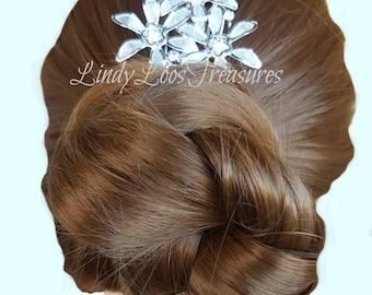 Three Silver Flower Hair Comb, Silver Bridal Hair Comb, Rhinestone, Bridal Hair Comb, Wedding Hair Comb, Hair Comb