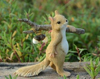 8*9*3cm Realistic Fairy Garden Resin Squirrel