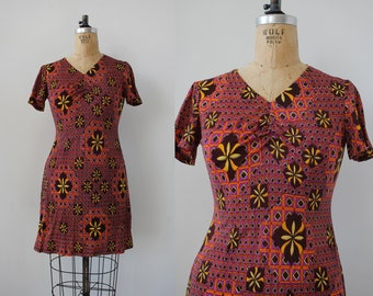1960s vintage dress / 60s mini dress / 60s mod dress / psychedelic 60s dress / 1970s dress / 70s op art dress / 70s sweetheart dress / med