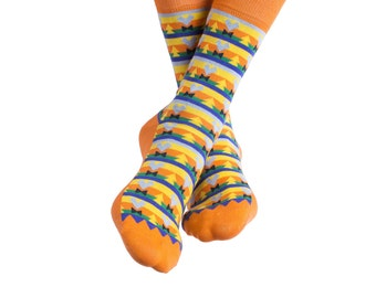 Women's colorful socks in yellow | Aztec design