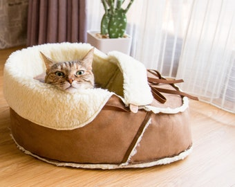 Sherpa Moccasin Pet Bed, Cat Bed, Dog Bed, Cat Furniture, Cat Cave, Cat Condo, Cat Gift, Cat Lover Gift, Cat Bedding, Pet Lover Gift,