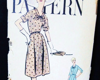1950s Vogue Dress Pattern 9463 Vintage Day Dress Full Flared Skirt, Tied Neck, Short or 3/4 Sleeve, Mid Century Design, Dated 1958, Bust 36