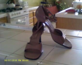 Vintage, mauve, Bandolino ....shoes, sandals, heels, Fashion shoes, high end, spring ,summer