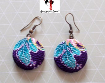 Japanese handcrafted earrings, handmade with Japanese fabric.