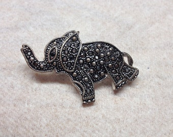 Vintage Metal Elephant with Beaded Design Pin/Brooch