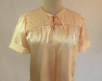 1940s, 1950s Vintage - Vintage Lingerie - Bed Jacket, Evening Jacket - Peach Satin - Bust 86-91 cm