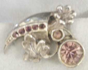 Small Flowered Clip with Pink Stones