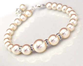 Ivory Pearl Bracelet, Wedding Jewelry. Bridal Pearl Rhinestone Bling Single-Stranded Wedding Bracelet for the Bride or Bridesmaids