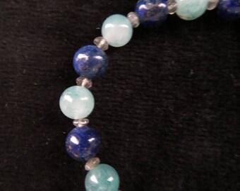 Bracelet with agate, lapis lazuli and labradorite beads