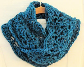 Crochet Chunky Lace Infinity Scarf Teal Green Circle Scarf