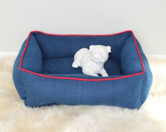 Reversible dog or cat bed. Made for your best friend. Style: Jeans And Red