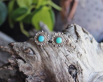 Vintage sterling silver turquoise earring studs