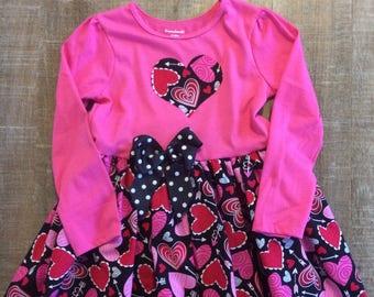 5T Valentines dress, Valentine's Day , 5T heart dress, heart bows, little girl dresses, winter dresses, handmade dresses, heart patterns