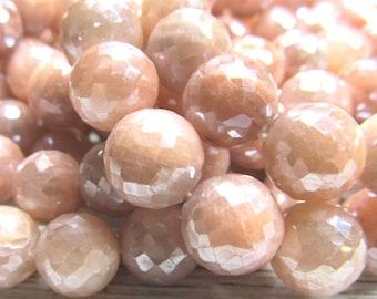 Pierre de lune pêche ronde perles de 10mm enduit à facettes irisées W / un éclat Permanent AB - 12 pièces