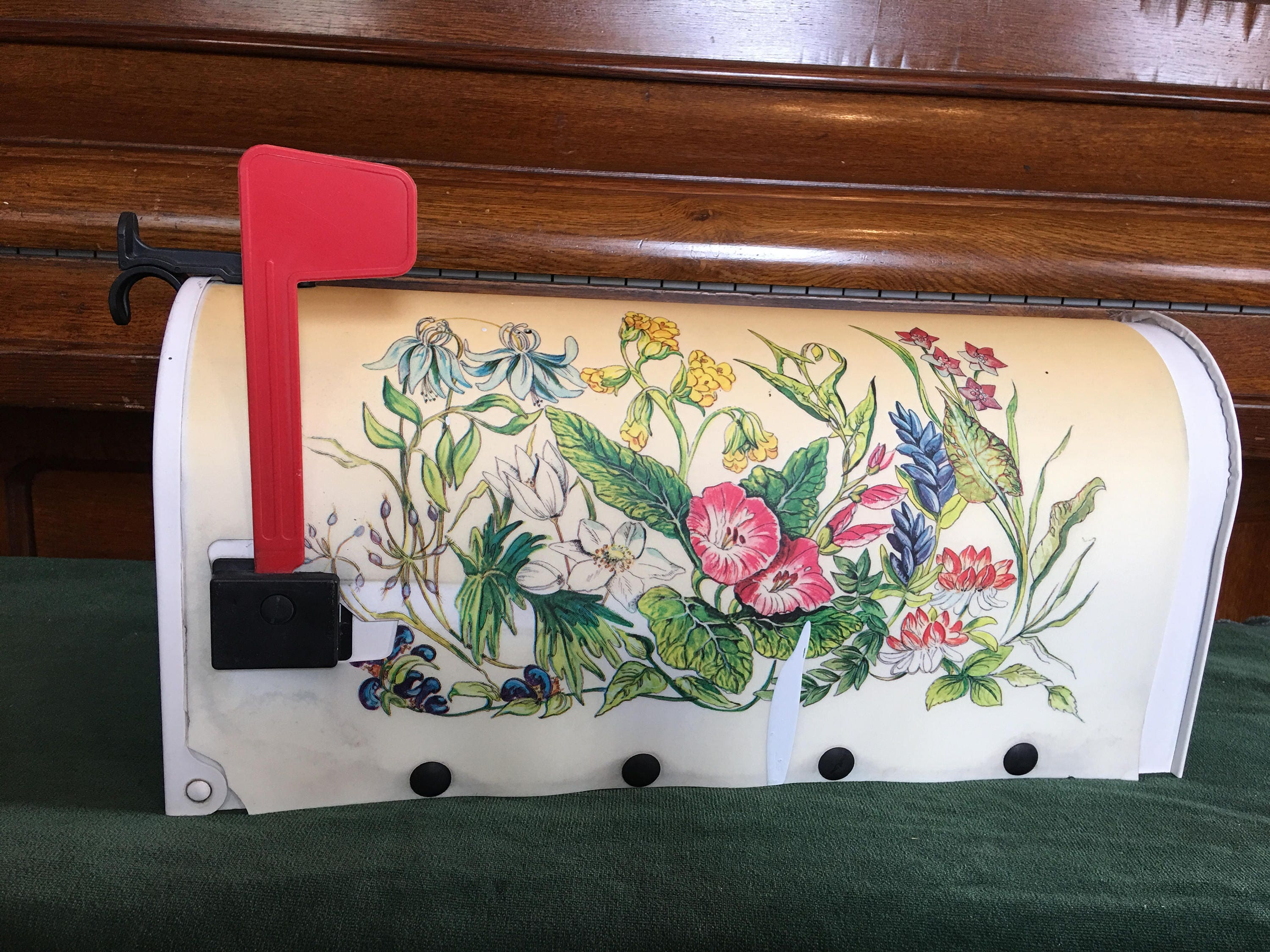 Vintage 1980s Shabby Chic Mailbox The Solar Group Plastic Cover