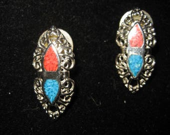 Vintage Silver Tone Crushed Turquoise Southwestern Theme pierced earrings