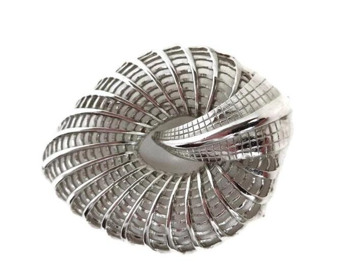 Judy Lee Brooch, Vintage Basketweave Shell Shaped Brooch
