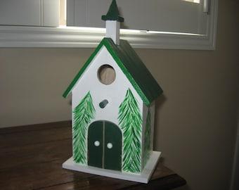 CHRISTMAS CHURCH BIRDHOUSE - Green/White - Home and Garden Decor