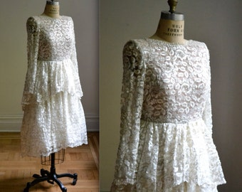 Exquisite Vintage Lace Wedding Dress Sequin and Beads  Size Small// 70s 80s Vintage Sequin Lace Wedding Dress Size small