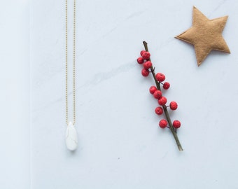 Long necklace with minimalist howlite pendant