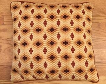 """Vintage Needlepoint Bargello Pillow 14"""" Square."""