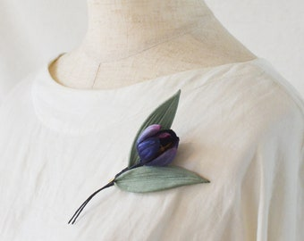 Small vase. Tulip Brooch