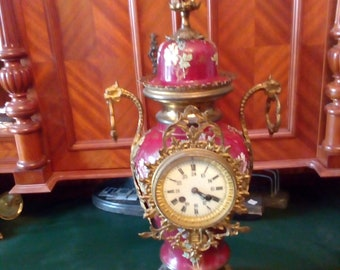 Vase clock around 1900 with two side plates 62 and 68cm high