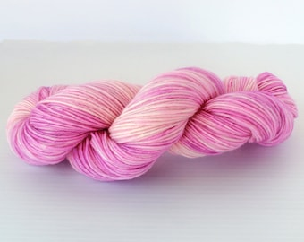 100 grams Hand dyed pink and white Sock Yarn, Handdyed Fingering Weight Yarn, Handdyed sock yarn