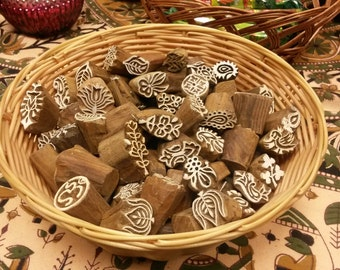 """Pack of 100 Fair Trade Small 0.5-1"""" Mixed Design Carved Indian Wooden Printing Block Stamps"""