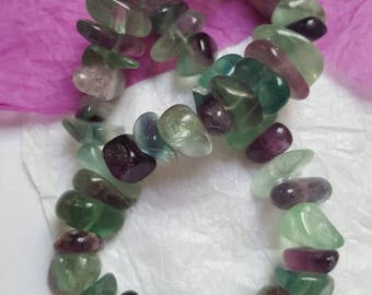 5 large gemstones Chips Fluorite Rainbow. (8132537)