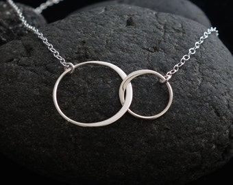 Sister Necklace Two Circles Infinity Necklace Friendship Gift Best Friend Necklace Double Circles Silver Necklace Rose Gold Circle Necklace